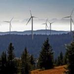 Schwarzwald mit Windräder